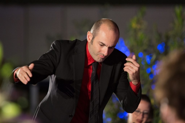 Giovanni Pasini conducts the Qatar Concert Choir